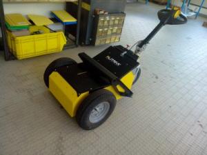 Tracteur-pousseur électrique
